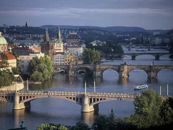 prague-bridges1