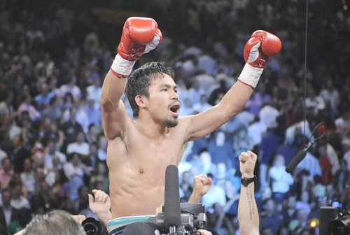 Pacquiao flattens Hatton in just 2 rounds
