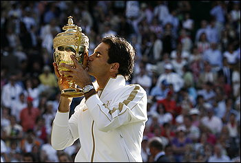 How sweet it is! No. 15 for Roger Federer!